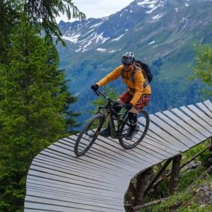 zahranicni-MTB-zajezd-svycarsko-davos-4.jpg -  (zahranicni-mtb-zajezd-svycarsko-davos-4thumb300.jpg)